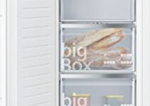 Catálogo de Congelador Vertical Integrable 17